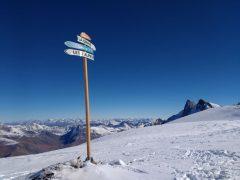 Les 2 Alpes signpost