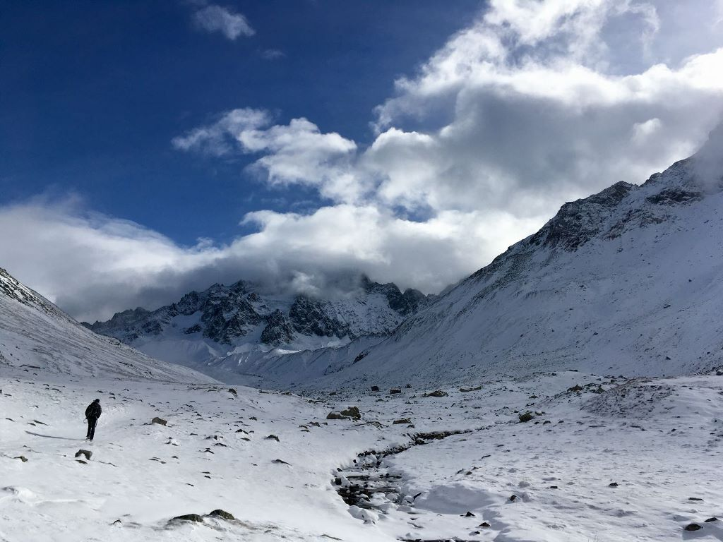 Walking towards the Col d'Arsine