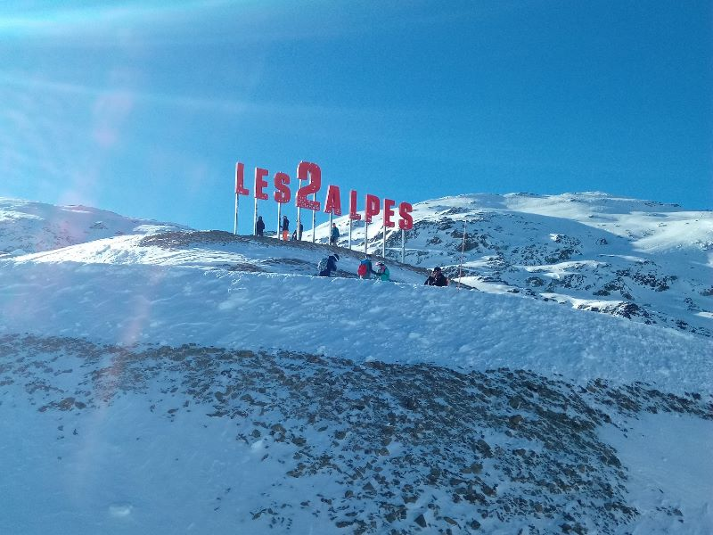 Les 2 Alpes sign