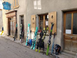 Skis in St Christophe